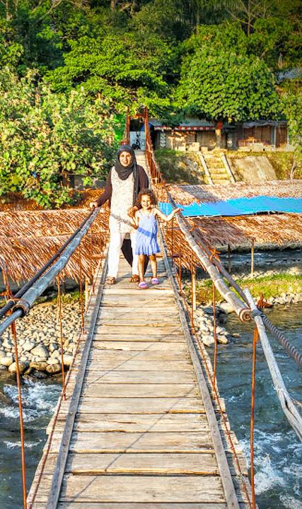 27082016-Bukit Lawang pont qui relie.jpg