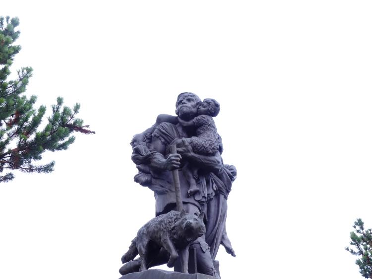 statue-new