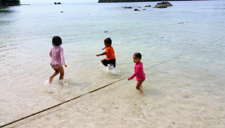 pulau-weh-enfant