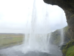 cascade-derriere-1